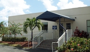 Customized modular sales office in Florida
